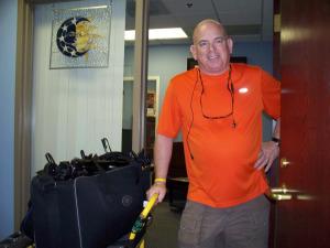 Dan Bagan loading up at Eclipse Recording Company