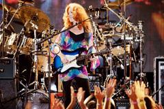 Bonnie Raitt on Stage